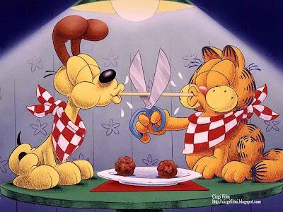 garfield ve köpek kutlama yapıyor, çizgi film