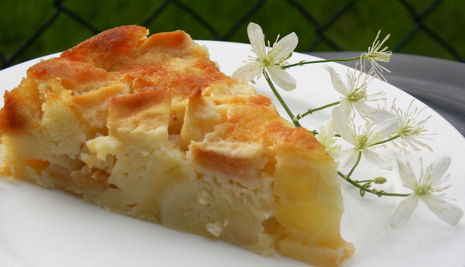 Bubie's Little Baker: FFwD - Marie-Helene's Apple Cake