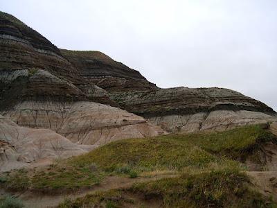 Muestras de los sedimentos en el límite T-K que sugieren una nueva explicación de la extinción de los dinosaurios.