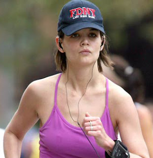 Photos Katie Holmes on Times Square Gossip  Katie Holmes Runs New York Marathon