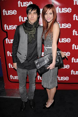 Ashlee Simpson and hubby Pete Wentz are reportedly signing on to ...