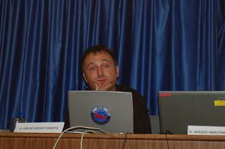 Óscar Espiritusanto en las III Jornadas de Periodismo Digital, Elche. La foto es de efecto mariposa