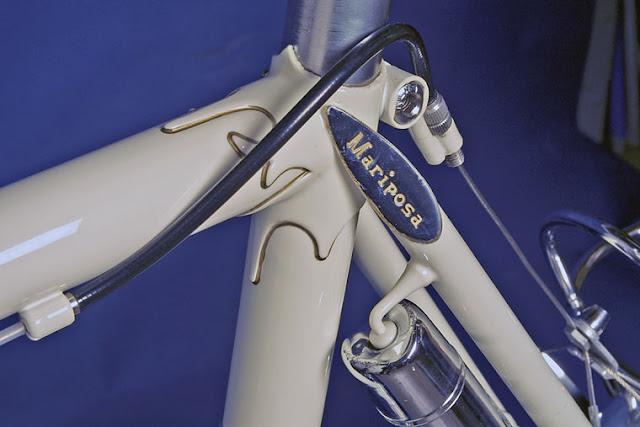 Mais uma foto do acabamento da bike na cor branca