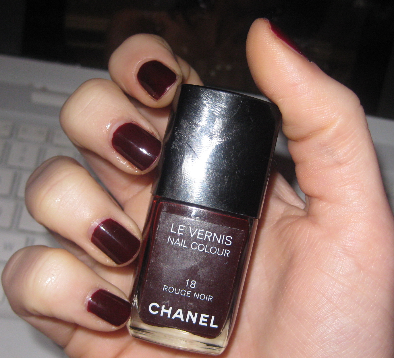 my precious nail polish beauty fashion notd chanel rouge noir. Black Bedroom Furniture Sets. Home Design Ideas