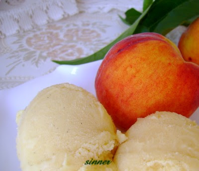 Yoghurt Peach Ice Cream