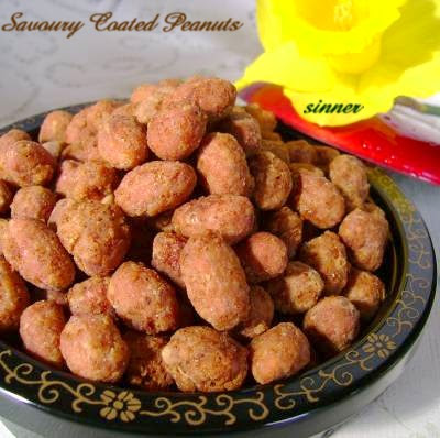 Chinese style savoury coated peanuts
