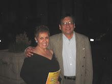 Con el Poeta y Escritor Arnulfo Vigil (Director de Oficio Ediciones)
