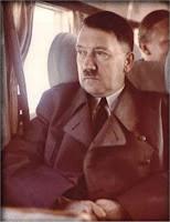 hitler y la aviacion Hitler_in_aereo