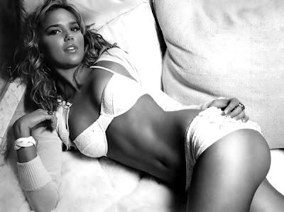 Yaşayan en seksi kadın…