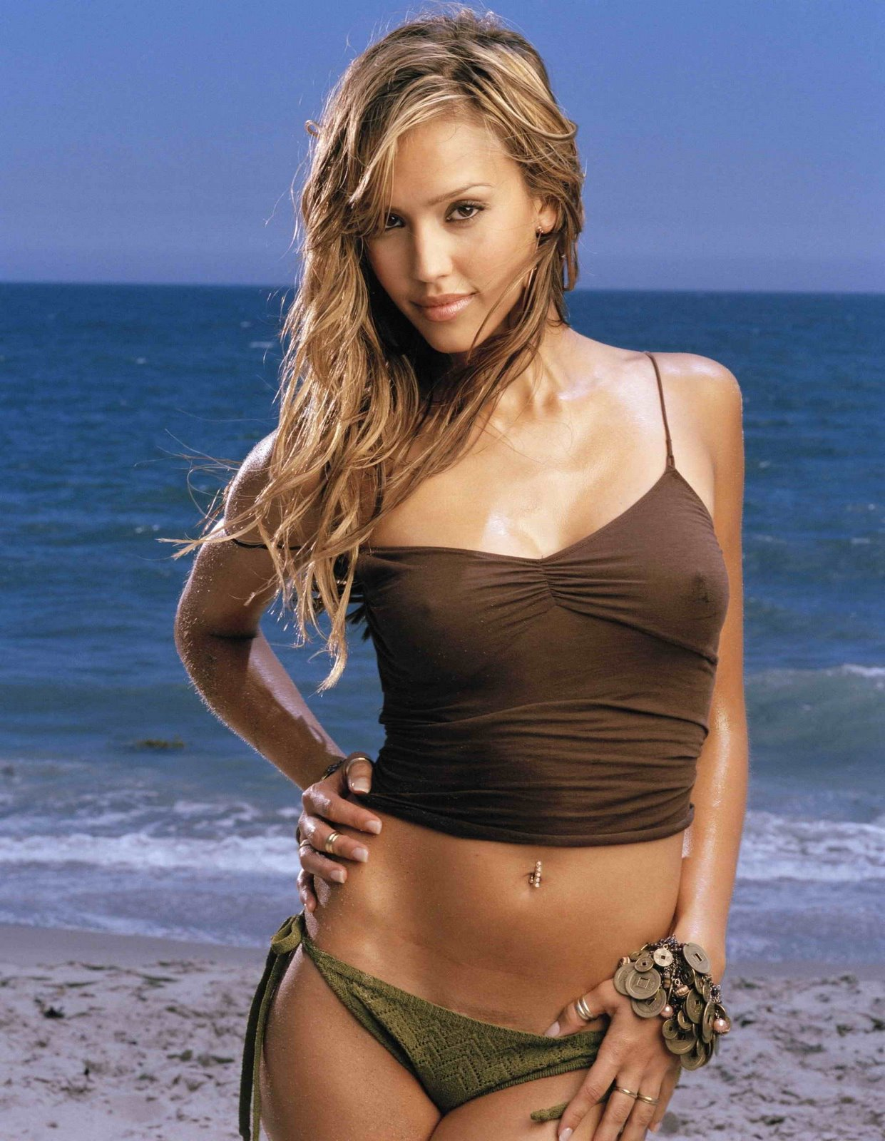 G Eous Jessica Alba Very Hot Glery