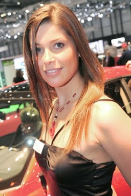 Most Gorgeous Auto Show Babes Seen On www.coolpicturegallery.us