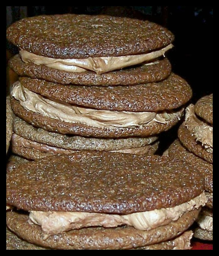 Olla-Podrida: Chocolate Malt Sandwich Cookies