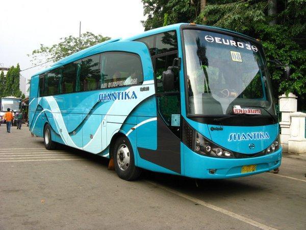 Foto Bus Indonesia