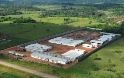 Governador inspeciona obras do Complexo Penitenciário de Senador Guiomard
