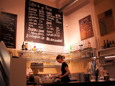 Barcomi's Mitte coffee counter