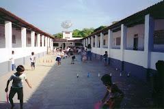 EEEWeaver - Pátio Interno (1995)