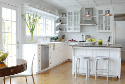 Subway Tile Kitchen. The basic Baldwin chain pendant