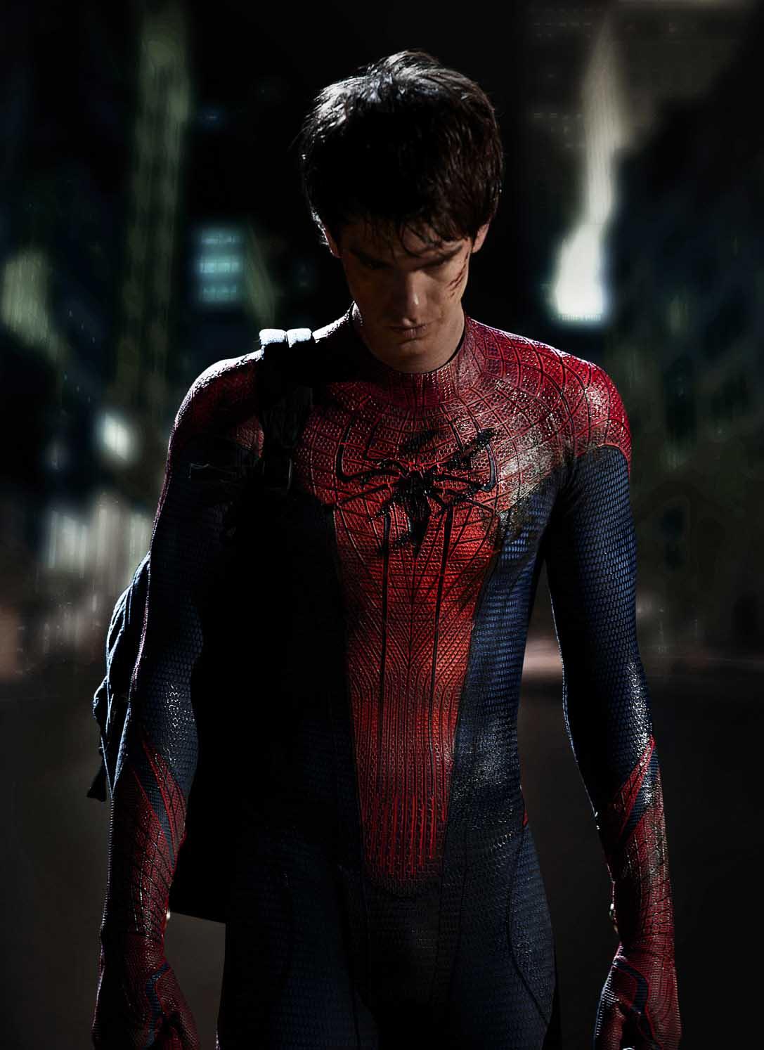 http://4.bp.blogspot.com/_ZjyPzfb6UT4/TS_jO8QKHKI/AAAAAAAAL8E/ctvOdFQFEaM/s1600/spider-man+new+costume+andrew+garfield.jpg