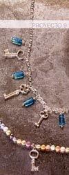 Proyecto9 Collar de llaves y cuentas azules   Collar de llaves y cuentas azules