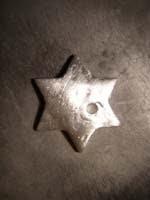 13 estrella pulida   Colgante de estrella con piedra