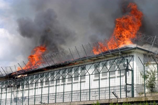 http://4.bp.blogspot.com/_Zl30kmKdHQM/TPPiRLpGO0I/AAAAAAAAD0Q/PE-wYsYJ5EA/s1600/incendie-cra-vincennes_348.jpg