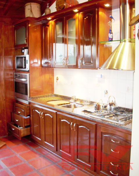 Fv carpinter a amoblamientos de cocina for Mesada de madera para cocina