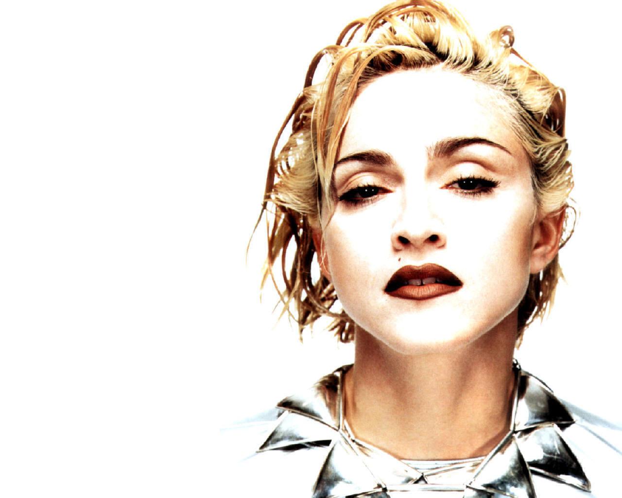 http://4.bp.blogspot.com/_ZmAW3Mp6aPs/TE9Gl3L7EKI/AAAAAAAAAgM/SmT9cpmkyYI/s1600/Madonna-madonna-1262437_1280_1024.jpg
