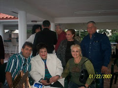 Junto a la cantante cubana Olga Guillot y otros colegas