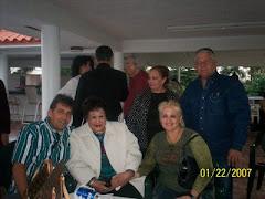 Junto a la cantante cubana Olga Guillot y otros colegas