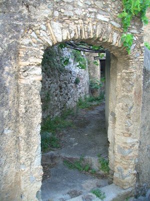 archway, calabria, southern italy
