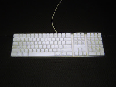 iskin protouch keyboard protector on apple keyboard 02