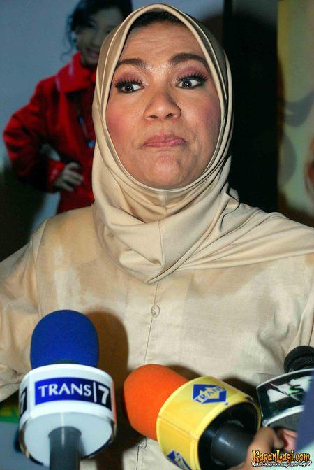 Biografi Dorce Gamalama