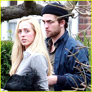Robert Pattinson Sister on So     What Are You   Robert Pattinson Spotted With His Sister