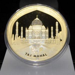 Простой стандарт: 100000 евро -одной монетой.