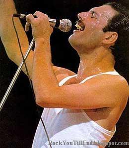 Freddie Mercury in concert