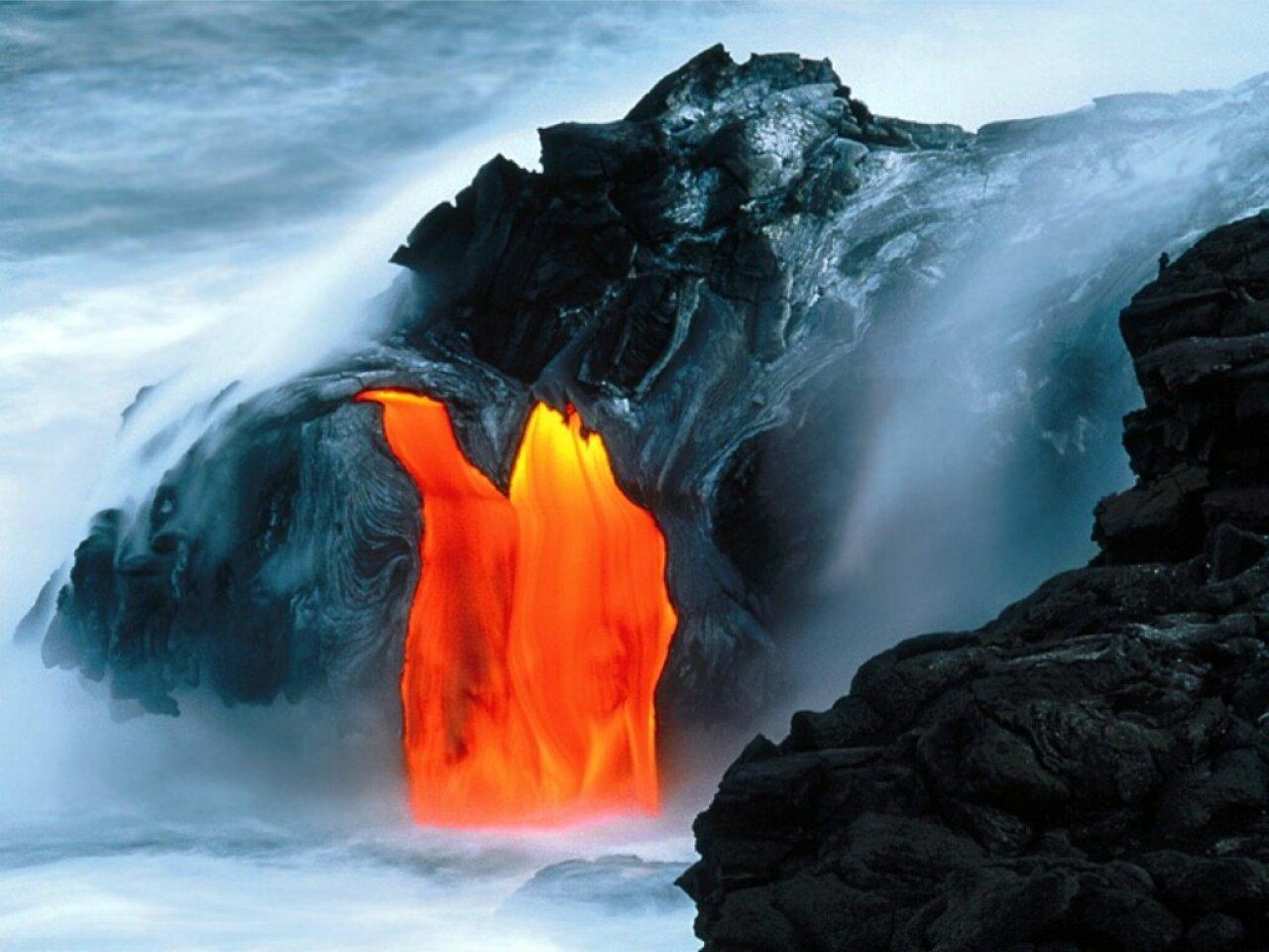 http://4.bp.blogspot.com/_Zsh7hDlg7E4/S9yLhwPemfI/AAAAAAAAABw/_uokrjlMfF0/s1600/Kilauea_Volcano_Lava_Flow_Hawaii_free_computer_desktop_wallpaper_1280.jpg