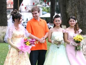 These foreigners are favorite in Hanoi and their love for this land