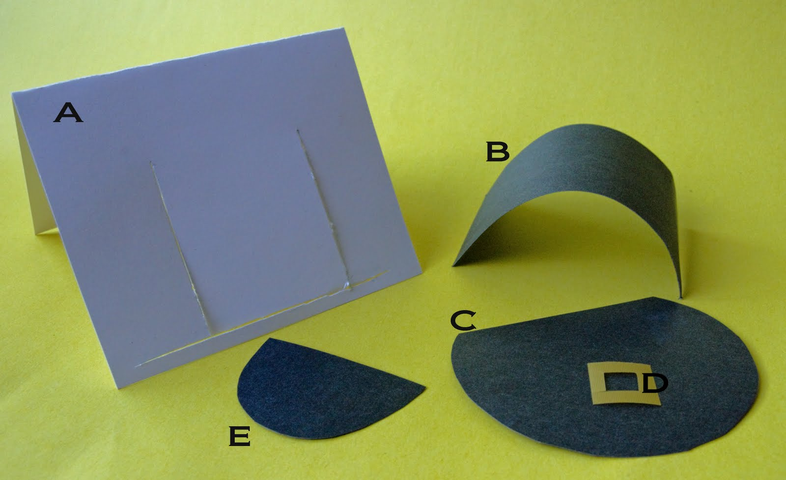to mind was a pilgrim hat. Here are the steps to make the place card