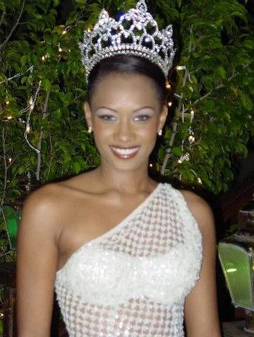 Miss Aruba 2010 (Winner), Miss Universe 2011, Miss World 2011. BIOGRAPHY: