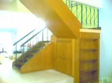 kabinet bawah tangga