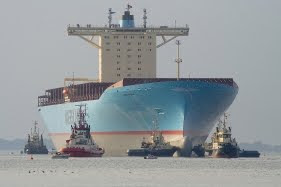 Maersk ship, tugs