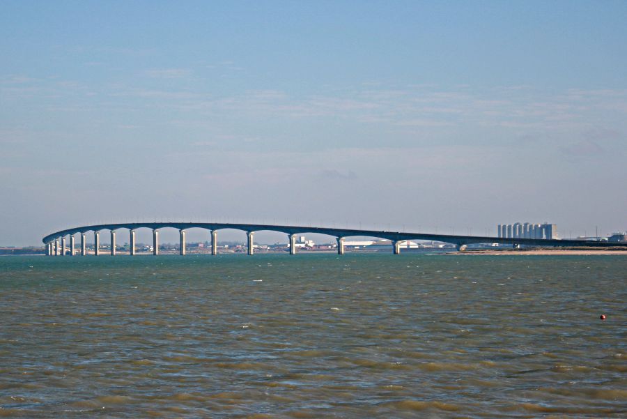 bridge linking La Rochelle to the Ile de Ré