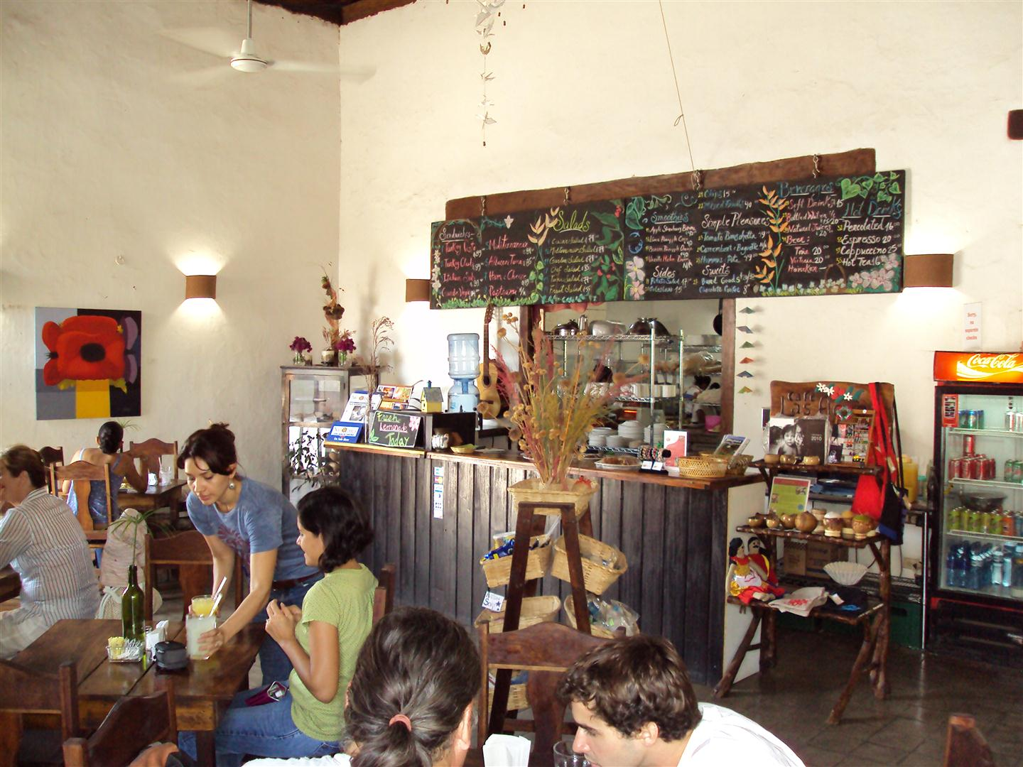 Nicaragua People And Places The Garden Caf 233 In Granada