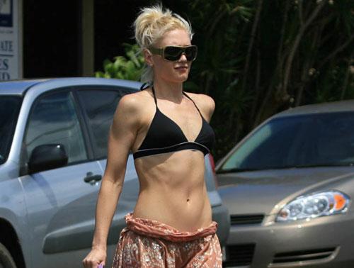 Gwen Stefani bikini