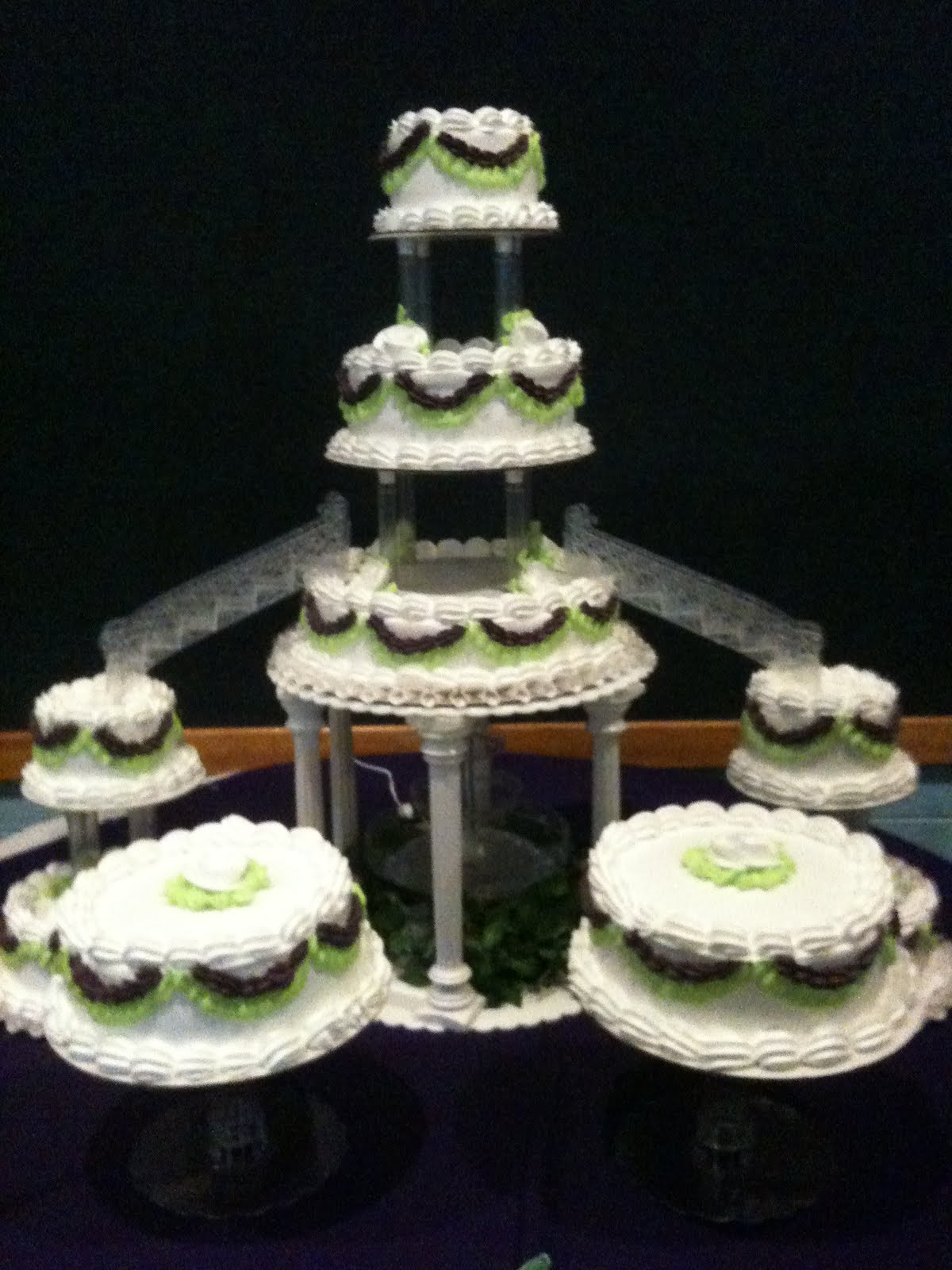 Hector S Custom Cakes 9 Tiered Cake With Stairs
