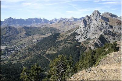 Bonita vista de Foratata durante el descenso