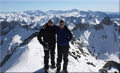 Auñamendi (Anie) mendiaren gailurra 2.507 m. - 2011ko otsailaren 5ean