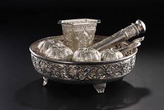 Hasil Logam Seni kraf berasaskan besi, emas, perak, pewter, tembaga ...