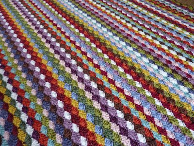 Striped Heart Baby Afghan Square -- Free Tapestry Crochet