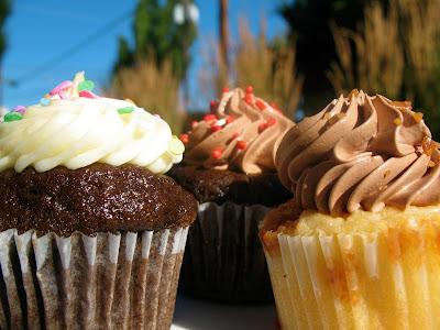 Saint Cupcake dots